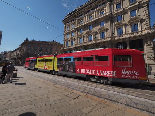 """FOTO E VIDEO. """"Fai un salto a Varese"""" arriva sui tram di Milano"""