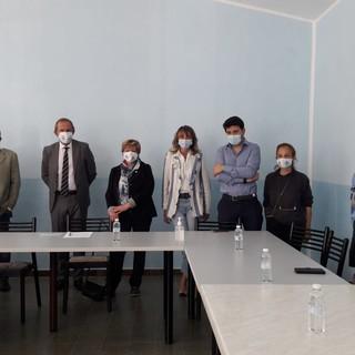 Il Consiglio direttivo di Passaparola con il sindaco Antonelli, simpatizzanti e rappresentanti del Gruppo Scout Busto 33