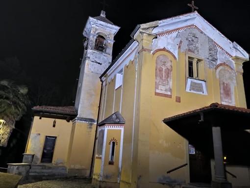 Stop a vandalismi e più sicurezza: illuminata la chiesa di Muceno a Porto Valtravaglia