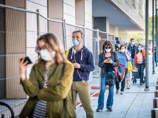 L'appello di Ats Insubria ai cittadini: «Il Coronavirus non è scomparso, rispettate tutte le regole di prevenzione»