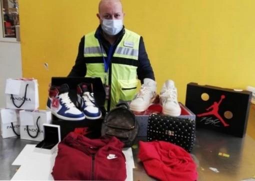 Merce contraffatta a Malpensa: in un anno intercettati 36mila prodotti per un valore di 190mila euro