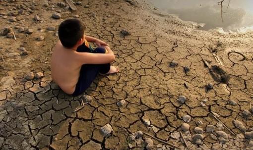 IL COMMENTO. Il caldo scioglie le nostre certezze: la Terra malata presenta il conto del nostro egoismo
