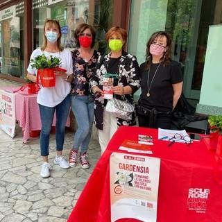 A Sesto Calende trionfa la solidarietà: raccolti più di 1300 euro per la ricerca sulla sclerosi multipla