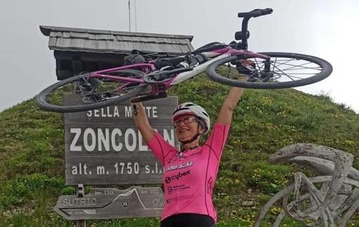 Sesto Calende allo sprint: l'impresa sulle due ruote di Loretta Pavan fa tappa sulle rive del Ticino