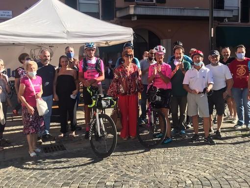 Arrivata a Sesto Calende la superciclista Loretta Pavan che pedala contro i tumori