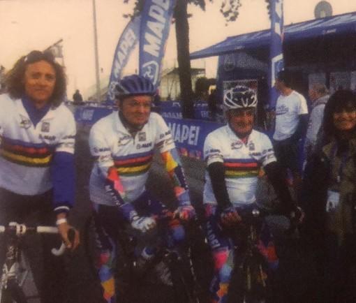 Una delle immagini più vero che Renzo Oldani ha di Giorgio Squinzi: il signor Mapei ai Mondiali di Valkenburg 2012 mentre prova il circuito con la maglia di campione del mondo