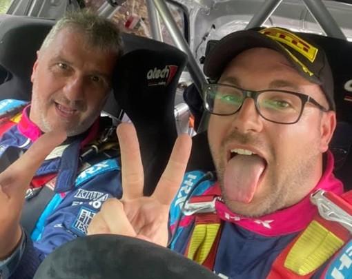 Simone Miele e Roberto Mometti festeggiano la vittoria nel Rally del Taro a bordo della Citroen DS3 (foto di Gabriele Lavagnini e AmicoRally)