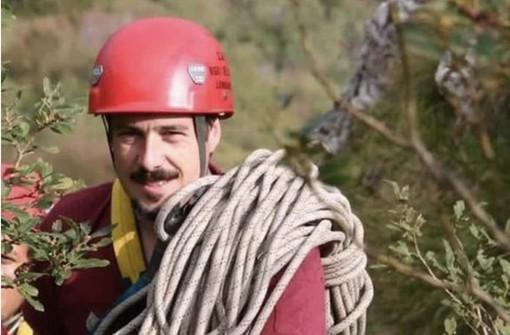 Il gruppo sportivo dei vigili del fuoco omaggia il ricordo del collega Roberto Zanella