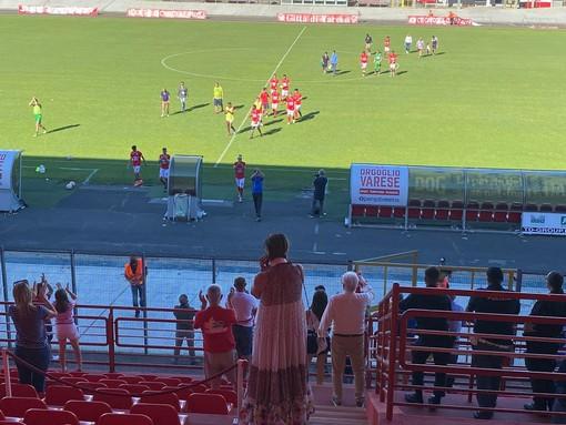 La vittoria del Varese (sconfitto 1-0): l'applauso e i cori commoventi dei suoi tifosi dopo 8 mesi. «Onore ai ragazzi e alla gente»