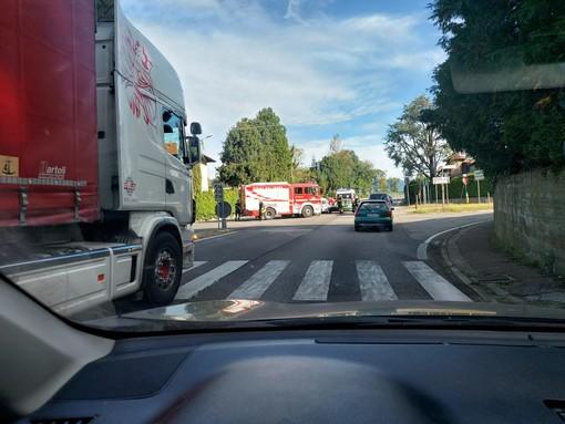 Travedona, scontro tra due auto all'incrocio della superstrada 629