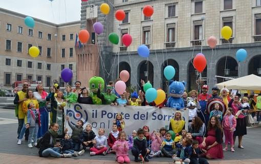 Giochi, fiabe, magia e... solidarietà. Domenica il centro di Varese si trasforma in una ludoteca a cielo aperto con Il Ponte del Sorriso
