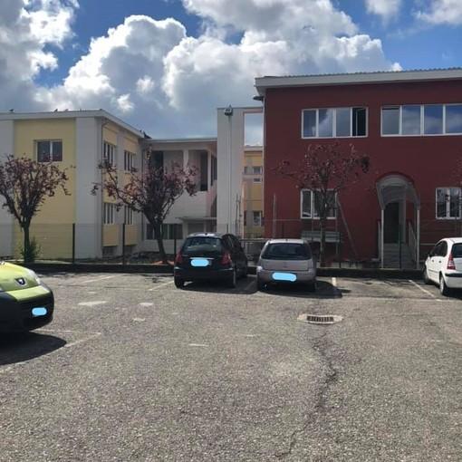 """""""Fuga"""" di insegnanti dalla scuola Marconi di Venegono: in 14 hanno chiesto il trasferimento"""
