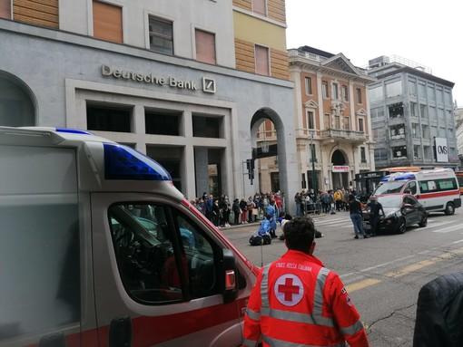 Varese, pedone investito in via Marcobi. Soccorsi in azione e traffico bloccato