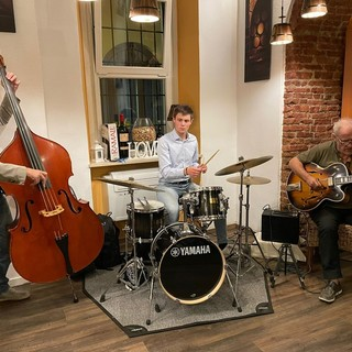 VIDEO e FOTO - Un angolo di New York e Kansas City a Varese con lo Swing Jazz de Al Vicolino