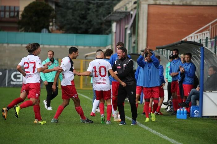 Gioia rossoblù: i primi tre punti della stagione sono in cassaforte (foto Enrico Scaringi)