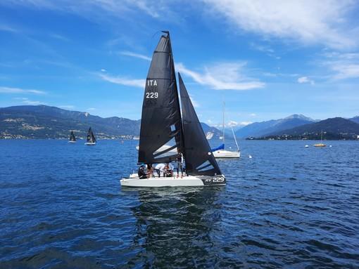 L'equipaggio di Tommaso Chieffi vince la regata solidale sul lago Maggiore