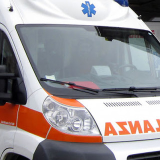 Scontro auto moto sulla lacuale, ferito uomo di 61 anni