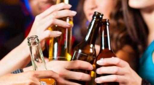 Alcol e movida, ragazza di 17 anni soccorsa in centro a Varese dopo un'intossicazione etilica