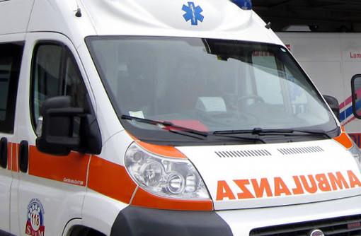 Besozzo, anziana investita: in via Rebuschini arriva l'ambulanza