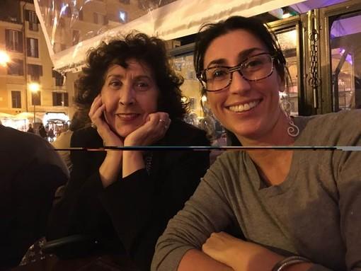 Amanda Ferrario con mamma Amedea (nella foto pubblicata sul profilo dei social, per cortesia della famiglia)