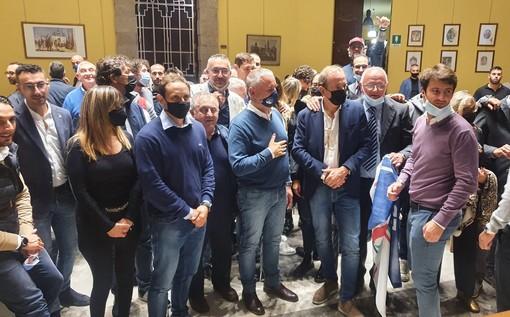 Il sindaco Antonelli la sera della vittoria in sala consiglio