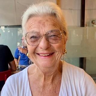 """Quattro mesi """"bloccata"""" a Gran Canaria ma ora Angela può tornare a casa. «Terra e gente stupende, mi hanno fatto sentire in famiglia»"""