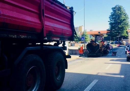 Varese, lavori in corso in zona piazza Repubblica: code e disagi in centro