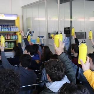 Dieci tonnellate di plastica in meno: le scuole di cinque Comuni della provincia di Varese in prima linea per la difesa dell'ambiente