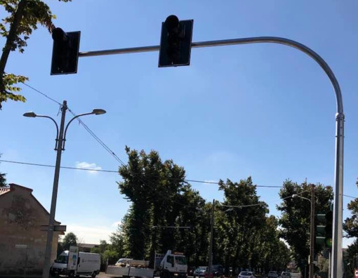 Viale Boccaccio, intervento sui semafori (foto di Adriano Landoni)
