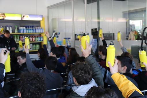 Gli studenti della Vidoletti a lezione di pulizia ed ambiente alla TD Group di Galliate