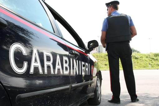 Minaccia di morte l'addetto alla vigilanza del supermercato: arrivano i carabinieri
