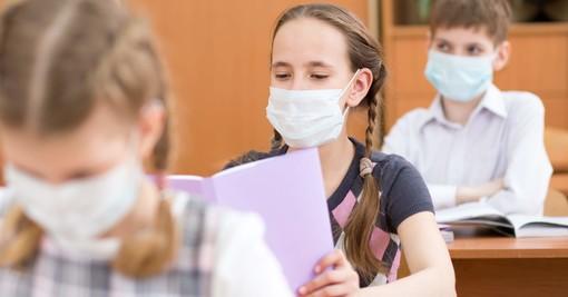Tampone per chi va a scuola? «Accesso diretto solo con autocertificazione vidimata o indicazione del pediatra»