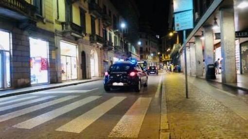 Il sindaco Galimberti: «Pronto a chiudere le zone dove abbiamo assistito sabato notte a scene inaccettabili»