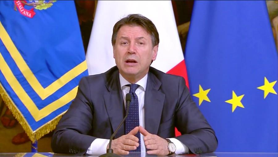 Indice Rt sotto controllo anche in Lombardia: attesa la decisione di Conte sugli spostamenti tra regioni