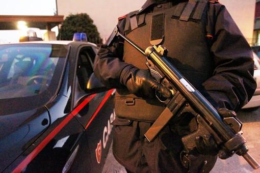 Induno Olona, trovato con il bottino in auto dopo un furto in una casa: arrestato