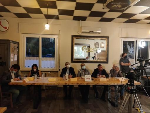Primo confronto pubblico a 7 per i candidati sindaco, al Circolo di Capolago