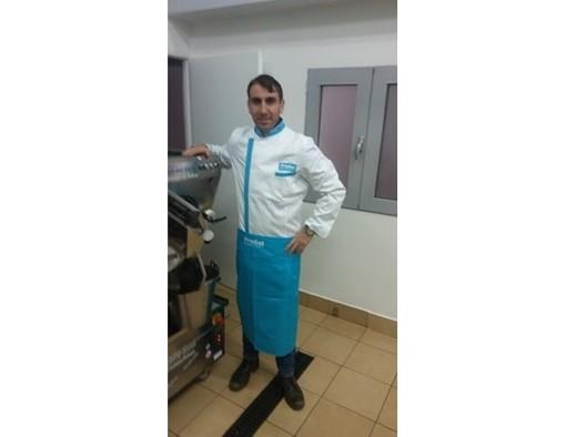 FOTO. Paolo, gelataio lavenese che lavora a Cracovia: «Chi esce usa la mascherina, la città è deserta»