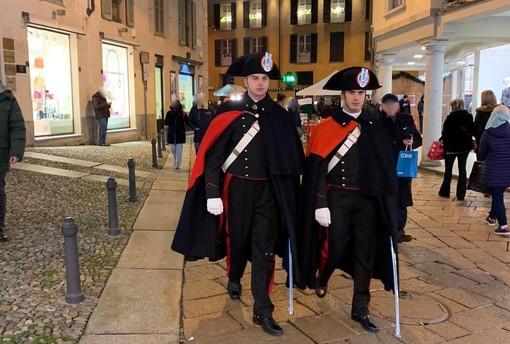 FOTO. Il fascino della divisa: in corso Matteotti tornano i carabinieri in Grande Uniforme