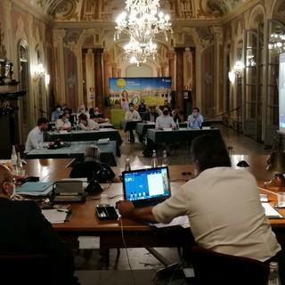 Varese 2.0: «Schizofrenia e meraviglie della politica varesina, dalla commissione Covid al Molina alla distruzione del Franco Ossola»
