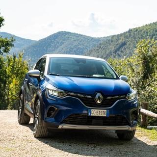 Renault Captur Hybrid: la gamma elettrica e ibrida è a disposizione negli store