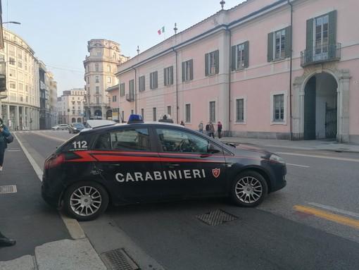 Controlli dei carabinieri in zona rossa a Varese (archivio)
