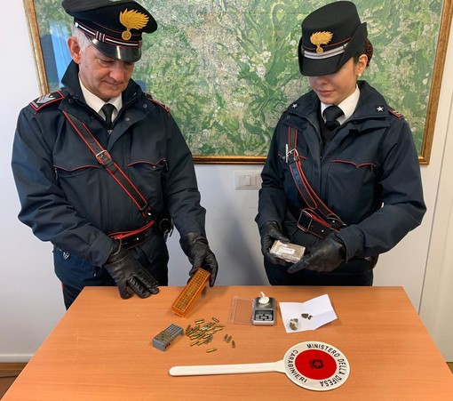 Fermato con marijuana, hashish e munizioni: varesino in manette