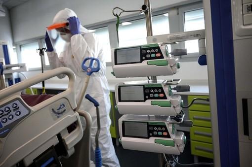 Coronavirus, calano i ricoverati al Circolo di Varese. Entro giugno stop ai reparti Covid negli ospedali di Tradate e Angera