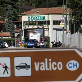 """Dal Ticino al Varesotto per fare la spesa? Sì, ma con il """"certificato Covid"""""""