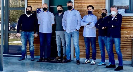 VIDEO. Oltre 300 cuochi d'Italia ci mettono la faccia e la voglia di andare oltre il virus nella guida Euro-Toques 2021