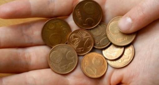 Bolletta beffa per un varesino: «Due centesimi da pagare, costa di più l'operazione»