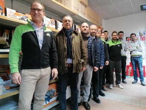 """Varese costruisce solidarietà: l'emporio """"Fai da noi"""" di Leroy Merlin apre alla Brunella"""