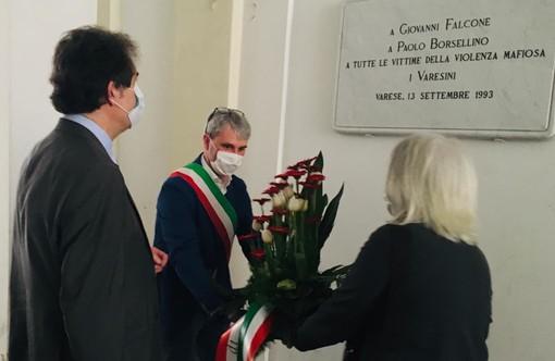 17:57:48 In Comune a Varese il toccante ricordo di Giovanni Falcone: «Dopo 28 anni l'emozione è ancora più forte» (FOTO)