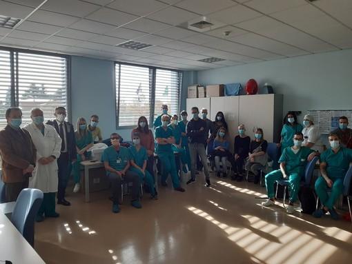L'equipe di intensivisti, infermieri e specializzandi della provincia di Varese che a inizio novembre partì per prestare la propria preziosa opera nell'ospedale allestito alla Fiera di Milano