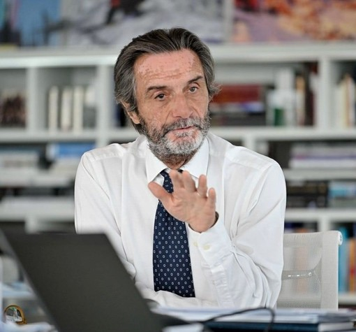 Respinta la sfiducia a Fontana: «La Lombardia accelera e torna grande. L'odio non sta trionfando»